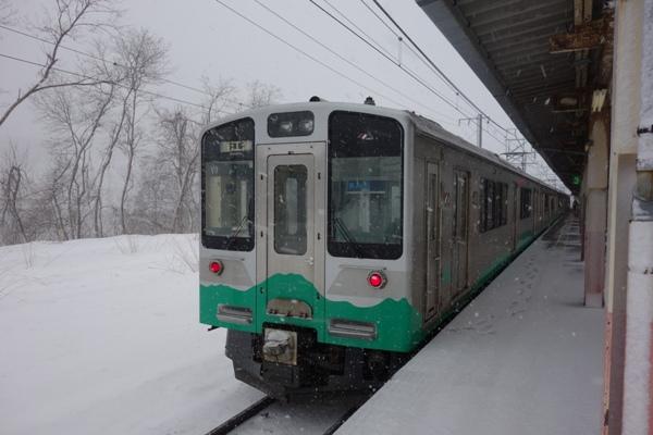 乗車車両のET127系