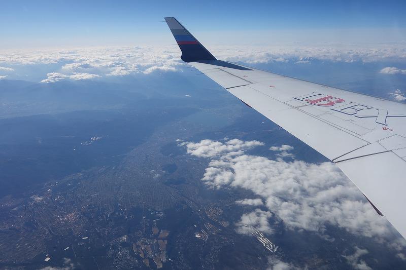 機内から見えた上空からの諏訪盆地の様子