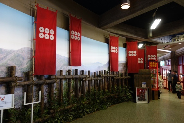 真田丸の旗が並ぶ撮影スポット