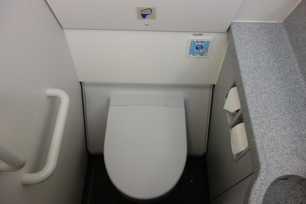 タイガーエア台湾の機内トイレ