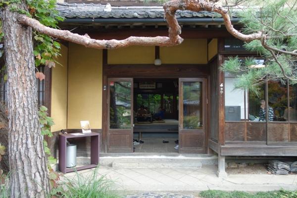 栗の点心朱雀提供会場の本宅の玄関