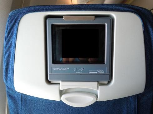 各シートに装備されていた小型の個人モニター