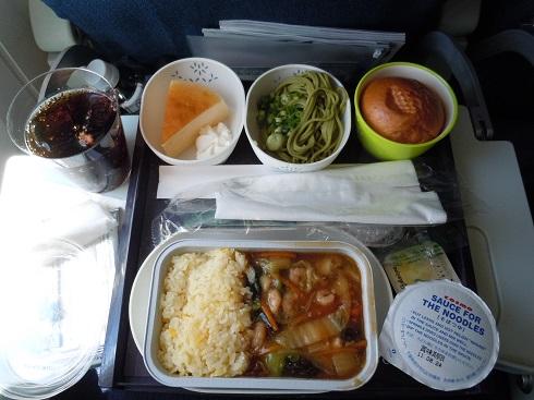 成田=香港路線で提供された機内食