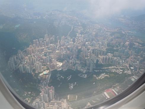 着陸前に上空から見えた香港市街地