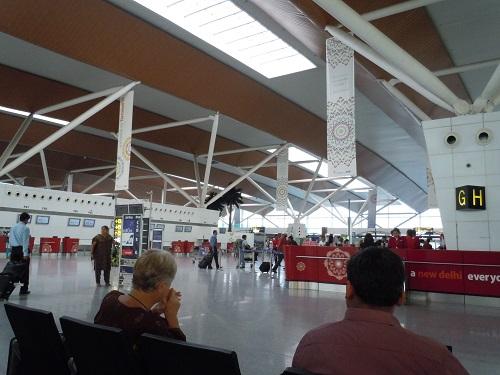 インディラガンディー空港国内線ターミナルビル内の様子