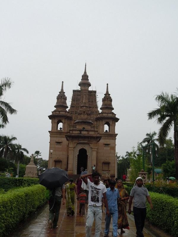 ムルガンダ・クティ寺院全景