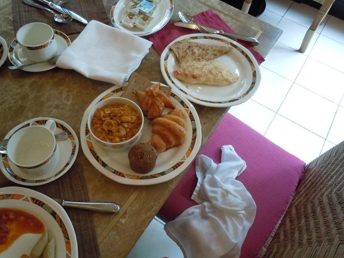 インドのホテルでの朝食
