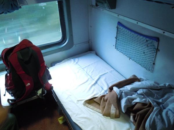 2等寝台の1階のベッド