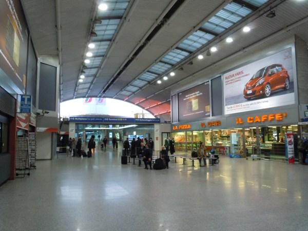 ローマ・フィウミチーノ空港内の鉄道駅