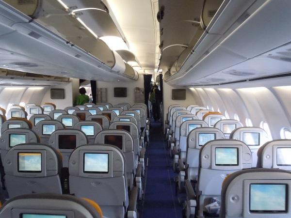 ルフトハンザのA340-600の機内の様子
