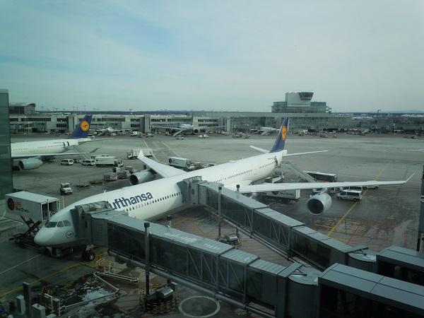 フランクフルト国際空港にて撮影したルフトハンザのA340-600
