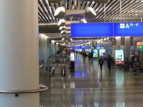 フランクフルト国際空港の出発ロビー
