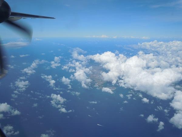 機内から見えた島々の景色