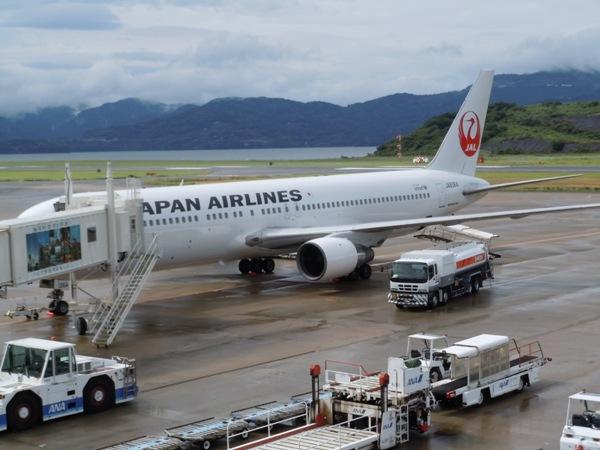 搭乗機の機齢22年11ヵ月のB767-300(JA8364)