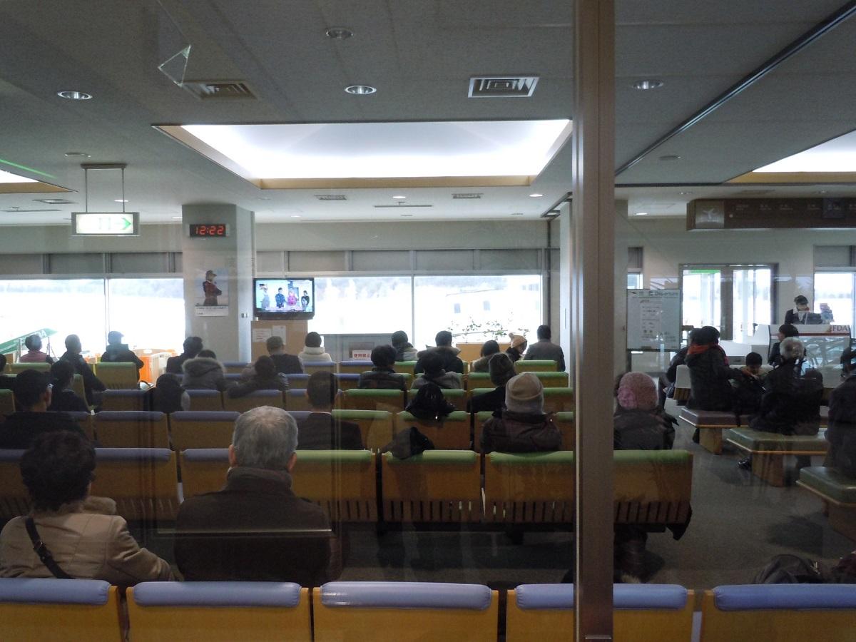 松本空港の札幌便の搭乗待合室の様子