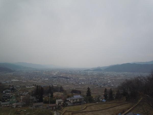 日本三大車窓でもある善光寺平と千曲川の景色