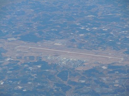 機内から見えた茨城空港・百里基地