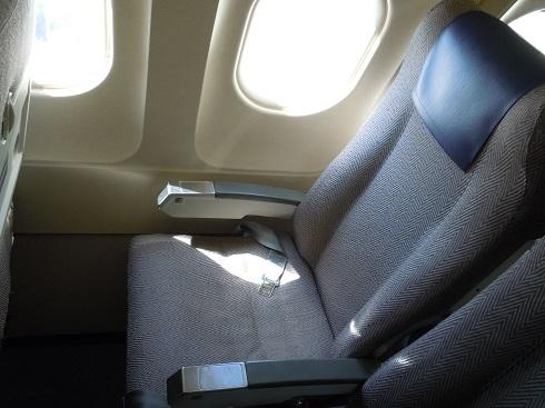 着席した元ANA機材の座席