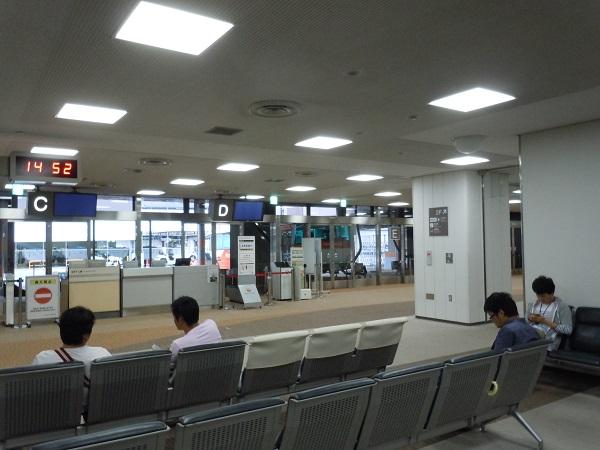成田空港の国内線の搭乗待合室