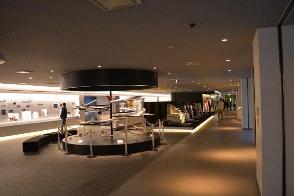 JALの整備工場見学の展示エリア