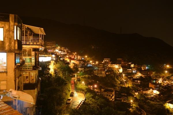 九ふんの山間部の夜景