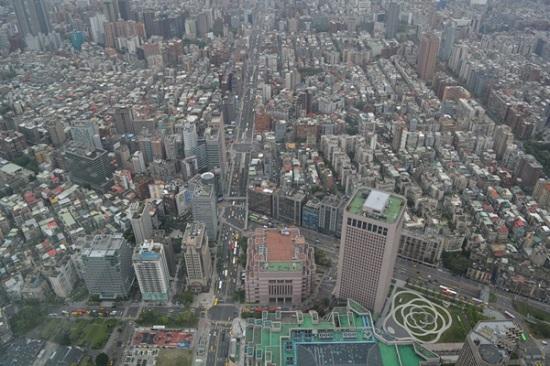台北101展望台から望む台北市街地