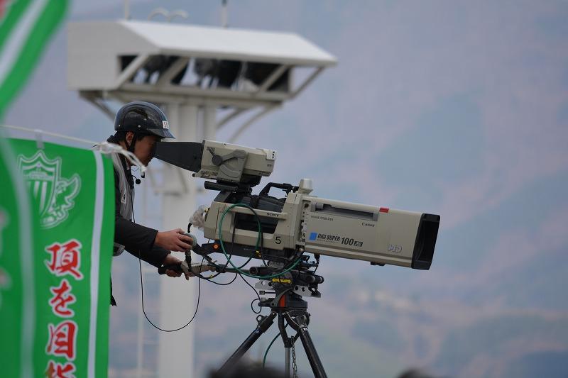 テレビ中継用のビデオカメラ