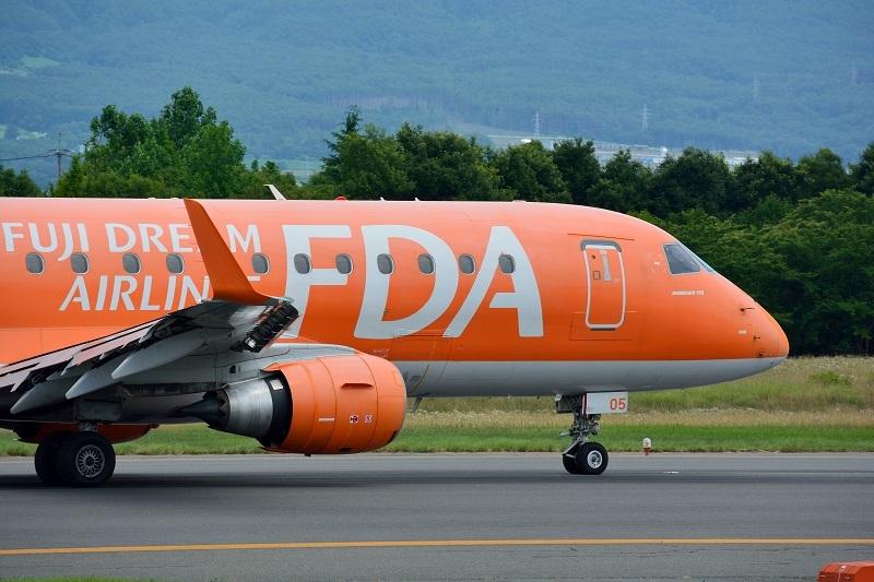 松本空港を出発するFDAの稚内行きチャーター便