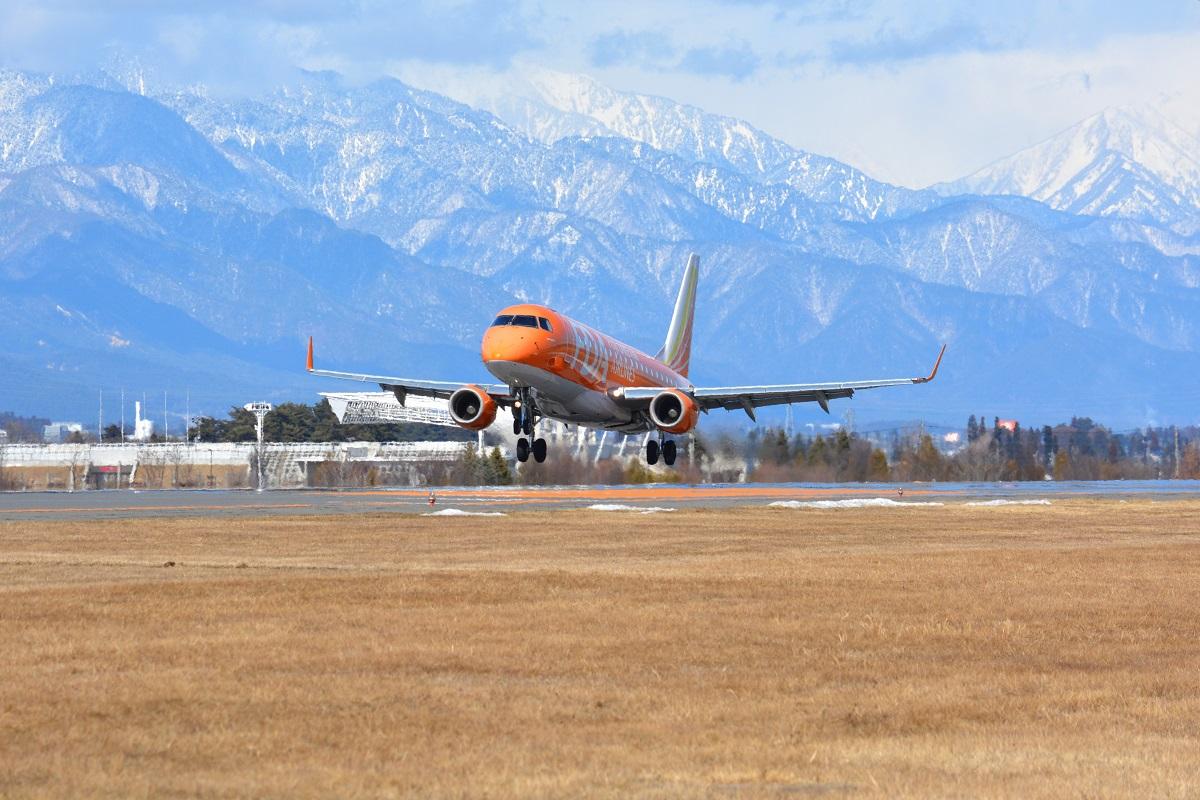松本空港に到着する福岡便