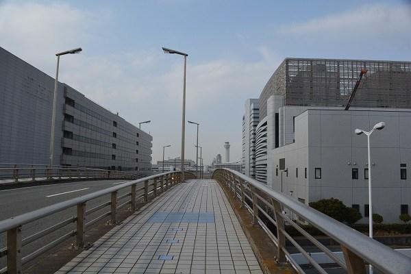 ドラマGOOD LUCKの撮影が行われた羽田空港新整備場駅付近の橋