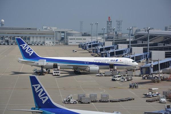 搭乗機のANAのB767-300(JA8324)